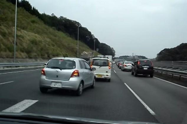 polite-japanese-drivers
